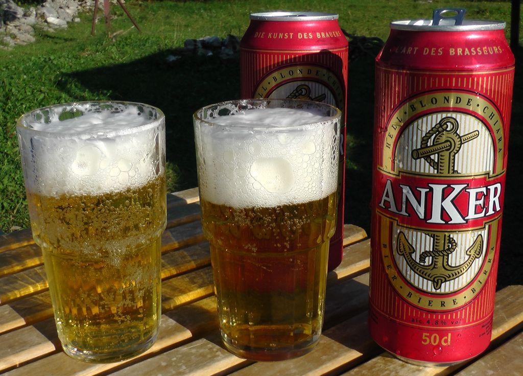 Auch das passende Bier bekommt der Segler.
