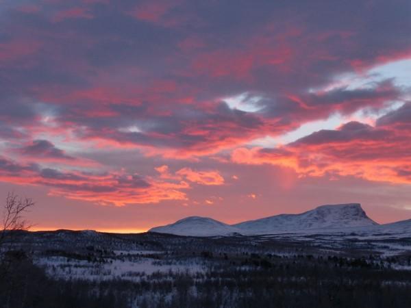 Morgenrot über den Bergen
