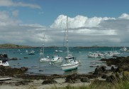 Segeltörn Saint-Malo Segelboote auf den Isles de Chausey
